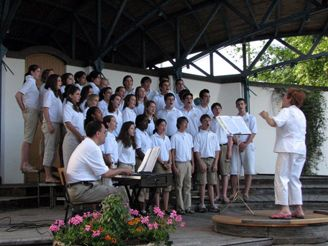 Hopkins Tour Choir Performs in Italy and Austria - June 2008